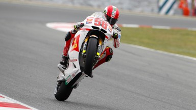 Simoncelli gives chase to Stoner on day one