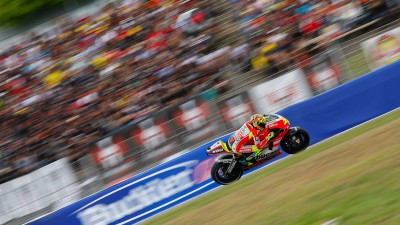 Fifth place and progress for Rossi in Barcelona, Hayden eighth