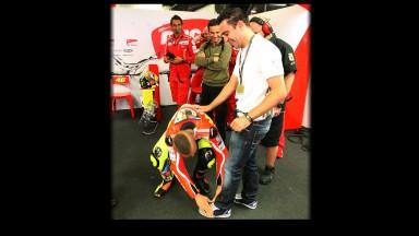 Xavi and Rossi exchange pleasantries