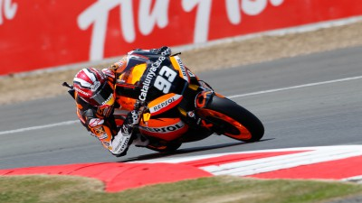 Márquez grabs pole position