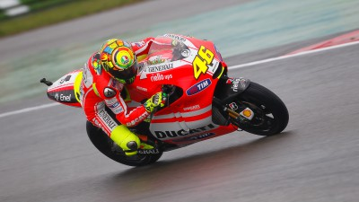 Rossi second, Hayden ninth on a wet, unpredictable day at Assen