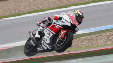 Early finish for Yamaha Factory riders as oil halts the action at Assen