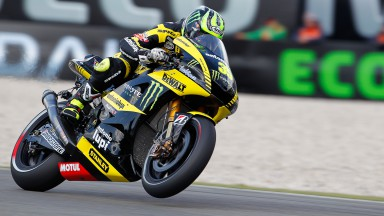 Heroic Cal Crutchlow fights for front row in Assen