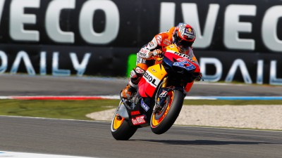 Front row start for Stoner after difficult day for the Repsol Honda Team