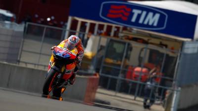 Stoner tops MotoGP grid at Mugello