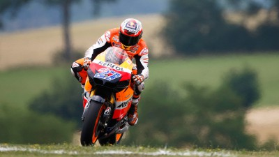 Stoner bate recorde de Mugello no final do teste de 800cc
