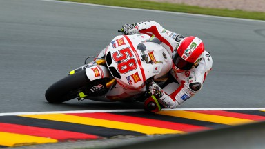 Simoncelli tops chaotic first practice