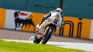 Lüthi rises to the top of Moto2 field