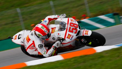 Simoncelli sets front row pace on Friday
