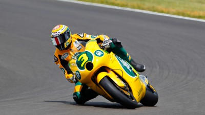 Corsi jumps to the front of Moto2 field