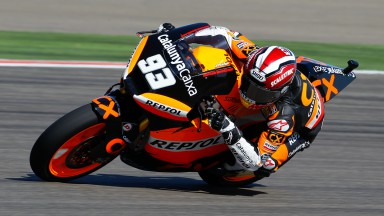 Márquez dominates MotorLand morning