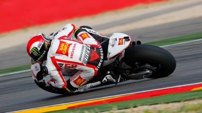 Second and third row for Simoncelli and Aoyama at Aragón