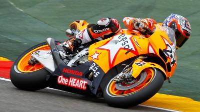 Stoner warms up fastest at Aragón