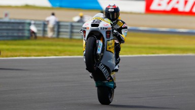 Lüthi leads Moto2 in Japan