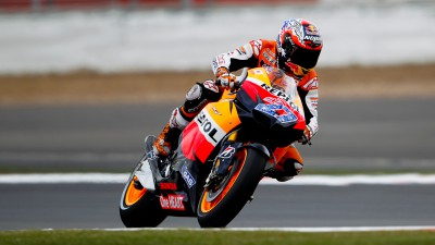 Stoner leads Pedrosa and Rossi in Valencia FP1