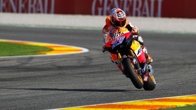 Stoner dominates final QP of the season