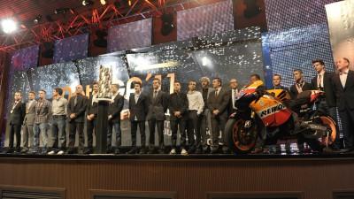 La cerimonia di premiazione FIM chiude la stagione 2011