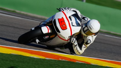 Busy second day at Valencia Test