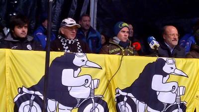 Terol recibe el Pingüino de Oro en reconocimiento a su título