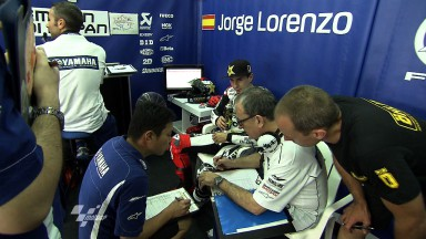 Lorenzo on top at Sepang day one