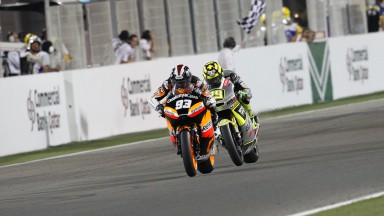 Márquez gana un trepidante pulso en Catar