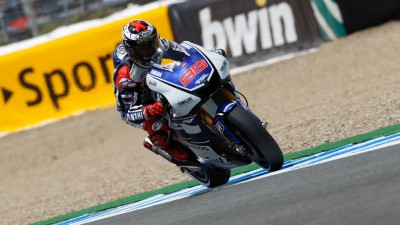 Lorenzo takes pole in Jerez thriller