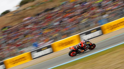 Edwards caught out by lack of dry track time at Jerez