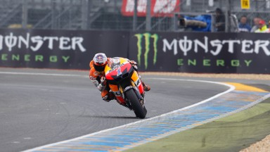 Stoner throws down the gauntlet in second Le Mans free practice