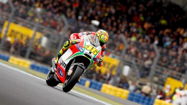 Rossi seventh, Hayden eleventh at damp Le Mans