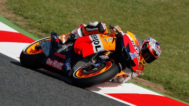 Stoner quickest in sun-drenched Catalunya first free practice