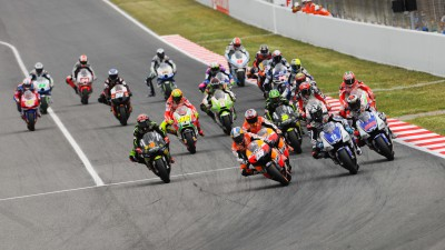 Lorenzo in the lead as MotoGP™ descends on Silverstone