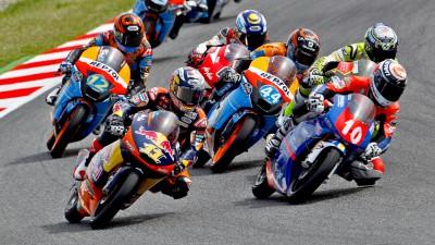 Silverstone accueille sa première course Moto3™