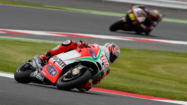 Hayden seventh, Rossi tenth in Silverstone qualifying