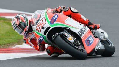 Ducati Team reduces gap to the front in the dry at Silverstone