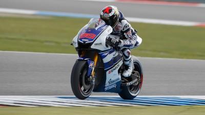 Lorenzo marca el ritmo en la FP1 de Assen