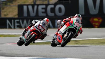 Une sixième place pour Hayden et un sévère problème de pneu pour Rossi