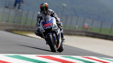 Lorenzo breaks track record in final free practice in Italy