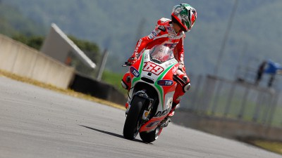 Hayden fourth at Mugello, Rossi unable to capitalize in qualifying