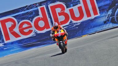 Stoner suma el cuarto triunfo del año, Pedrosa sigue su racha de podios