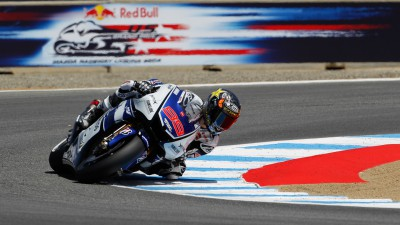 Lorenzo increases championship lead in Laguna