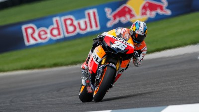 Pedrosa takes pole in crash-strewn Indianapolis qualifying