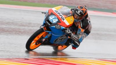 Oliveira an der Spitze im nassen zweiten Training in Aragón
