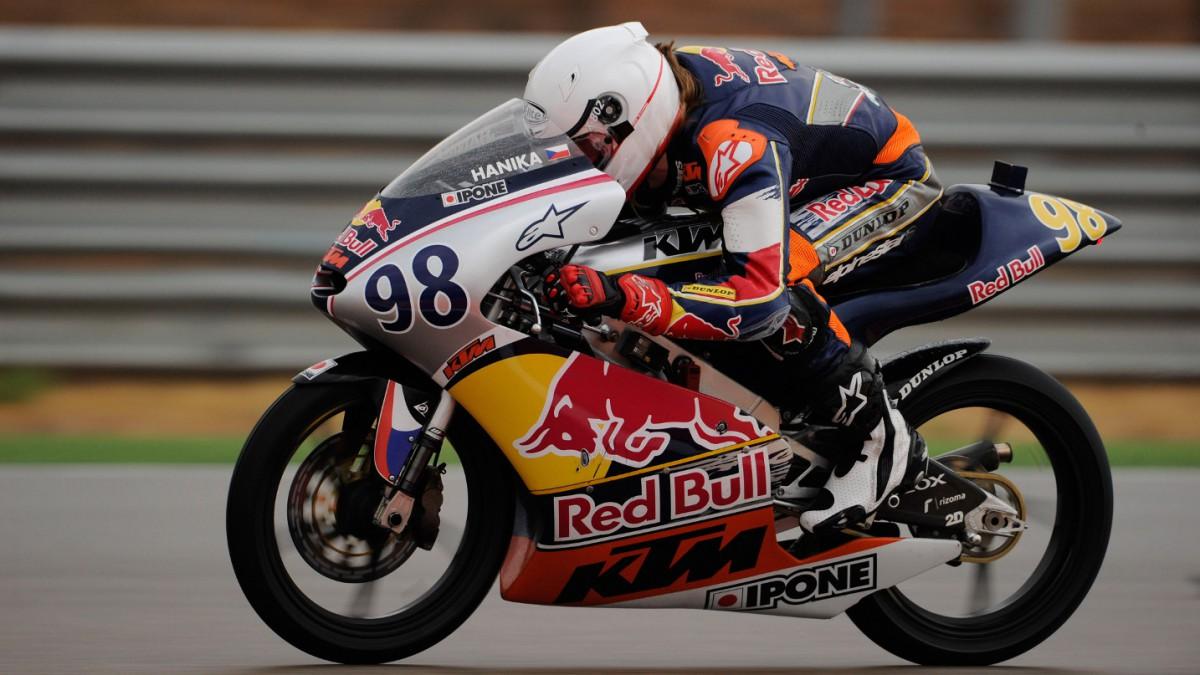 Red Bull MotoGP Rookies - Hanika storms to Aragón Pole