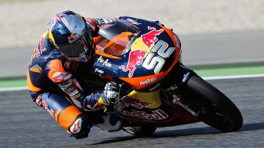 Kent charges to maiden pole in Motegi
