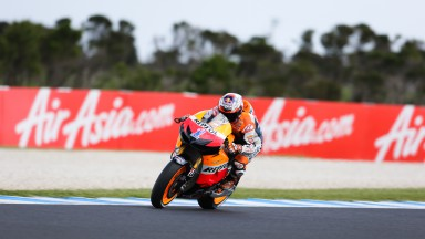 Stoner reigns on first day in Phillip Island