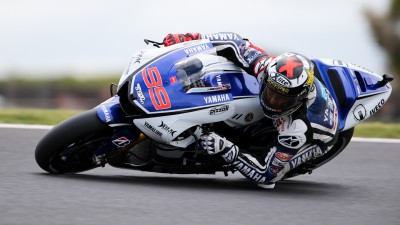 Lorenzo battles windy conditions at Phillip Island