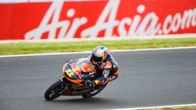 Phillip Island pole for charging Cortese