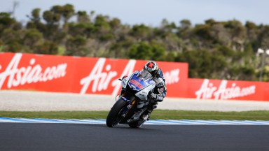 Lorenzo picks up the pace in Phillip Island qualifying