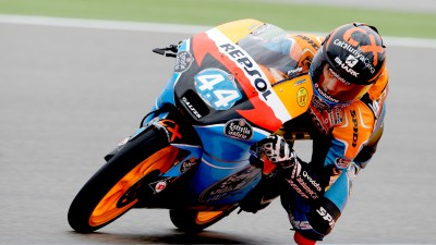 Oliveira leads Valencia first practice