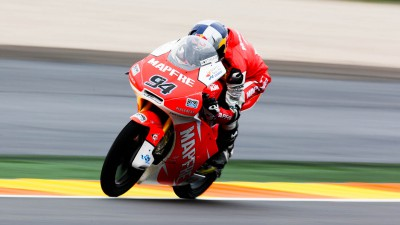 Folger charges to pole position for Valencia finale